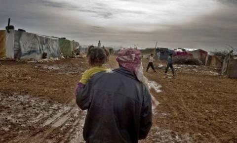 Κλειστά τα σύνορα Τουρκίας-Συρίας: Χιλιάδες άνθρωποι εγκαταλείπουν το Χαλέπι (video)