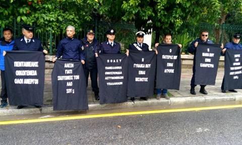 Νέα ήθη ΣΥΡΙΖΑ: Μπλόκο στην Ηρώδου Αττικού για τους... πεζούς!
