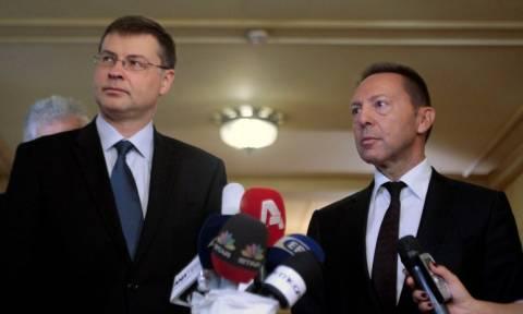 Πρόοδο στις διαπραγματεύσεις με τους Θεσμούς είδε ο Ντομπρόβσκις