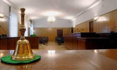 Παράταση της αποχής αποφάσισαν οι δικηγόροι  - Τη Δευτέρα αποφασίζουν οι επιστημονικοί φορείς