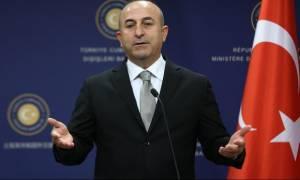 Τσαβούσογλου: Τα τουρκο-συριακά σύνορα παραμένουν ανοικτά