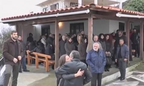 Σε κλίμα θλίψης και οδύνης το ετήσιο μνημόσυνο του Βαγγέλη Γιακουμάκη (vid)