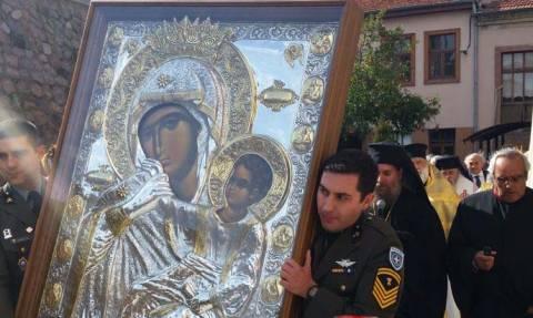 Η Παναγία Παραμυθία από τη Μονή Βατοπαιδίου στην Σμύρνη