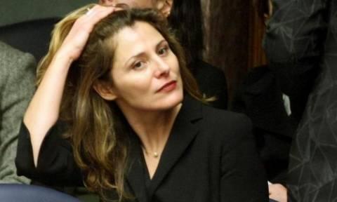 Και ξαφνικά όλοι κοίταζαν τη Μπέτυ Μπαζιάνα – Τι έκανε στο Ιράν η σύζυγος του Τσίπρα;