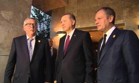 Ο Σουλτάνος απειλεί: Θα στείλουμε τους πρόσφυγες με λεωφορεία στην Ελλάδα!!!