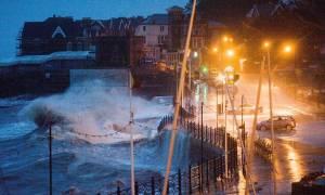 Σε συναγερμό η νότια Αγγλία για την καταιγίδα Imogen (pics+vids)