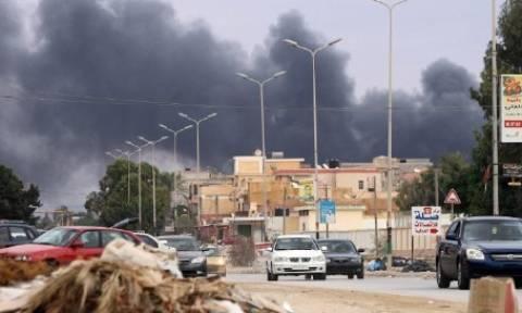 Λιβύη: Επιδρομές εναντίον του ISIS στην Ντέρνα – Συνετρίβη ένα MiG-23