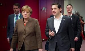 Επικοινωνία Τσίπρα - Μέρκελ για το ΝΑΤΟ στο Αιγαίο