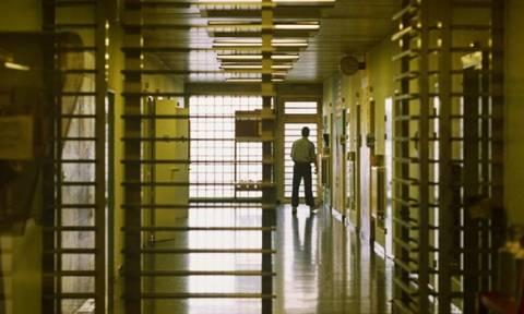 Ελβετία: Σύρος βιαστής απέδρασε με τη βοήθεια μιας δεσμοφύλακα