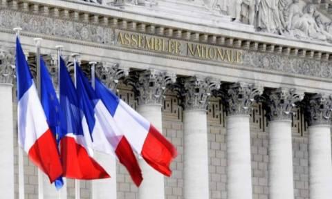 Ψηφίστηκε η «στέρηση της γαλλική ιθαγένειας» για ειδεχθή εγκλήματα (vid)