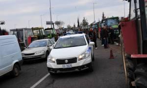Μπλόκα της ΕΛ.ΑΣ. στους αγρότες - Κανένα τρακτέρ στο Σύνταγμα ο στόχος της Αστυνομίας