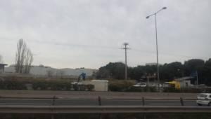 Ανατροπή φορτηγού στην Αθηνών - Λαμίας (photos)
