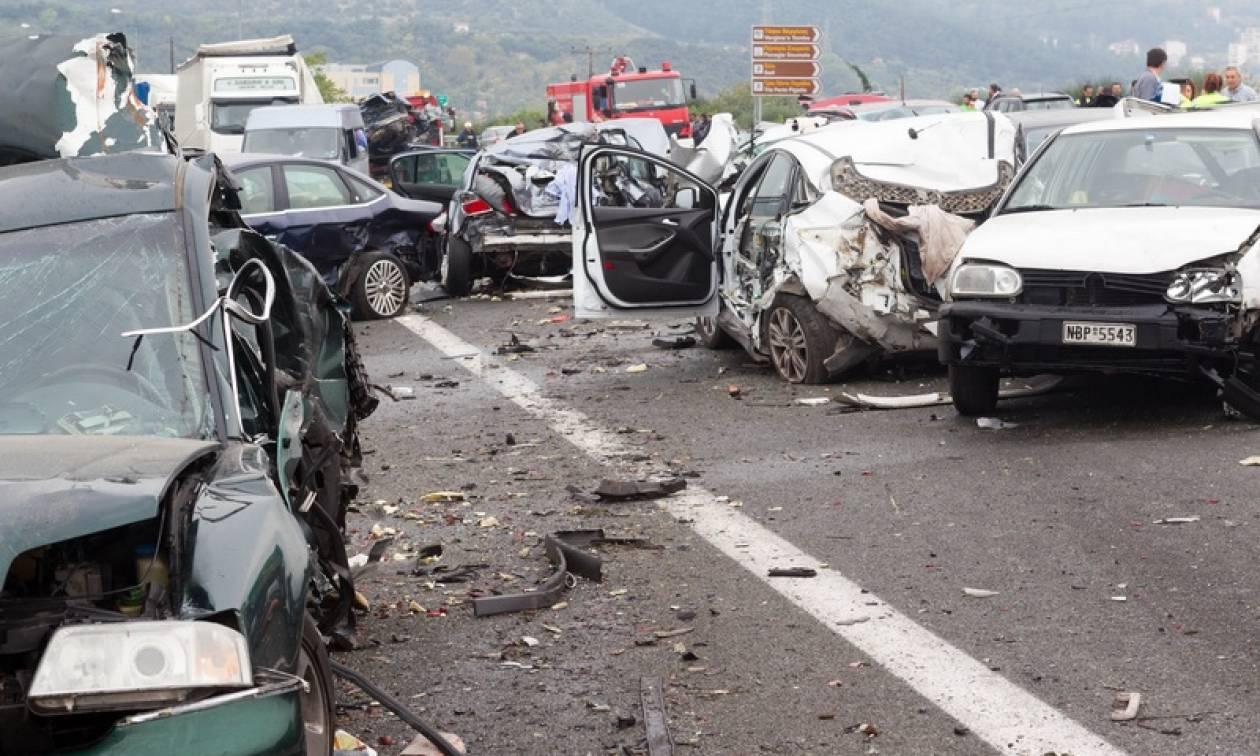 Συγκλονιστικά στοιχεία: Πέντε νεκροί και 60 τραυματίες κάθε μέρα από τροχαία στην Ελλάδα
