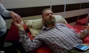 Ραγίζει καρδιές: Οι τελευταίες στιγμές ασθενούς που επέλεξε την ευθανασία (pics+vid)