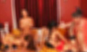 Ομαδικό σεξ, όργια και ναρκωτικά στη βίλα επιχειρηματία στο Διόνυσο όπου εξέδιδε τη γυναίκα του