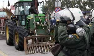 Греческие аграрии: Если полиция решит применить газ, мы ответим средством для борьбы с вредителями