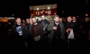 Αγρότες: Έφτασαν στον Πειραιά 3.000 αγρότες από την Κρήτη (pics)