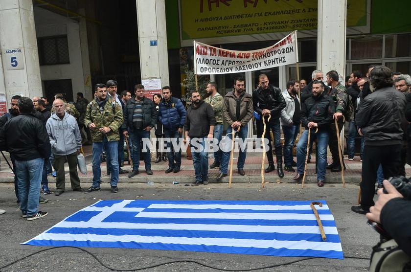 Στο υπουργείο Αγροτικής Ανάπτυξης οι αγρότες της Κρήτης