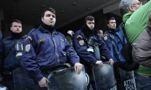 Αγρότες: Αστυνομικά μπλόκα στην Αττική και κλειστοί δρόμοι στην Αθήνα