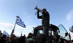Αγρότες: Φτάνουν στην Αθήνα περισσότεροι από 2.000 αγρότες της Πελοποννήσου - Ένταση στο Χαϊδάρι