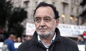 Τηλεοπτικές άδειες - Λαϊκή Ενότητα: Η κυβέρνηση ξαναμοιράζει την τράπουλα της διαπλοκής