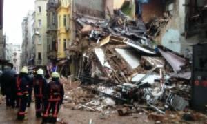 Κατέρρευσε πενταώροφο κτήριο στην Κωνσταντινούπολη (vid)