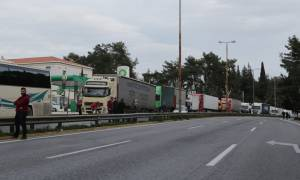 Αγρότες στην Αθήνα: Ουρές χιλιομέτρων στην Αθηνών Κορίνθου!