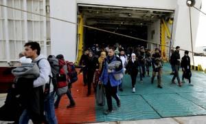 Νέες αφίξεις μεταναστών στον Πειραιά