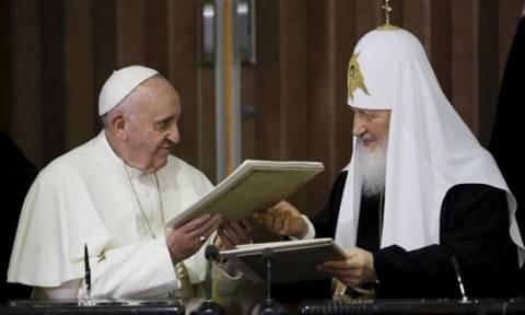 Στο Μεξικό ο Πάπας μετά τη συνάντηση με τον Ρώσο Πατριάρχη Κύριλλο
