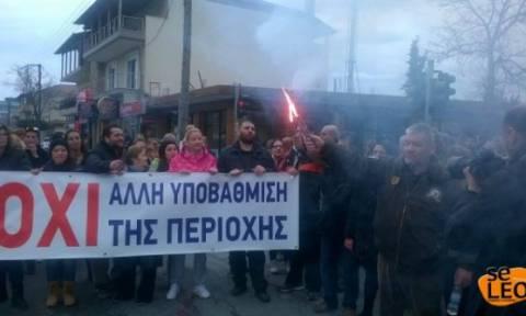 Θεσσαλονίκη: Κλειστή η παλιά εθνική οδός προς την Έδεσσα από κατοίκους των Διαβατών