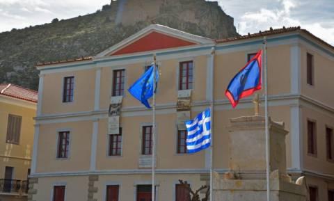 Ναύπλιο: Μεσίστιες οι σημαίες για τον υποπλοίαρχο που έχασε τη ζωή του στην Κίναρο