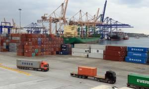 Σε κινητοποιήσεις την επόμενη εβδομάδα οι εργαζόμενοι στα λιμάνια για την πώληση του ΟΛΠ