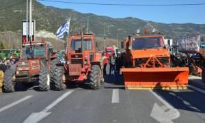 Μπλόκα αγροτών: «Θα αποκόψουμε την Αθήνα από την Πελοπόννησο»