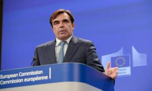 Σχοινάς: Η ΕΕ θα κάνει τα πάντα ώστε να επιτευχθεί ολοκλήρωση της αξιολόγησης