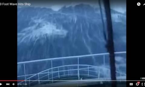 Συγκλονιστικό βίντεο: Γιγαντιαίο κύμα «καταπίνει» πλοίο στη Βόρεια Θάλασσα