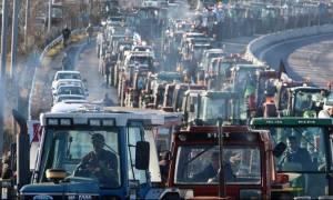 Μπλόκα αγροτών: Κλιμάκωση των κινητοποιήσεων αποφάσισαν οι αγρότες της Νίκαιας