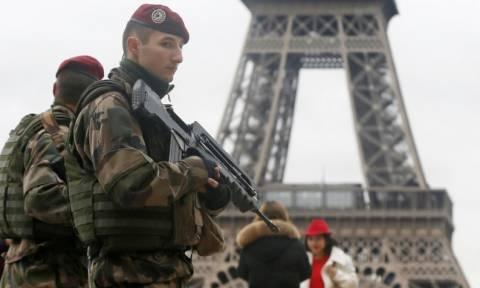 Έως τα τέλη Μαΐου παρατείνεται η κατάσταση εκτάκτου ανάγκης στη Γαλλία