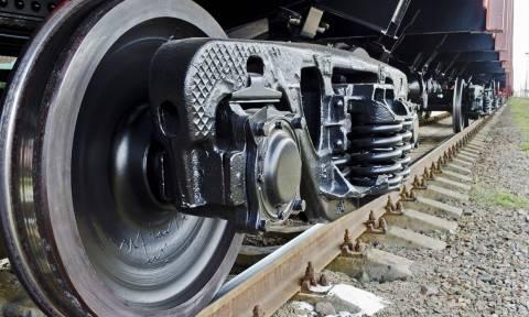 Φάρσαλα: Φρίκη με διαμελισμένο πτώμα στις γραμμές του τρένου