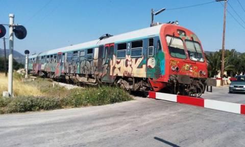Βόλος: Μπάρα διάβασης τρένου έπεσε πάνω σε λεωφορείο με μαθητές
