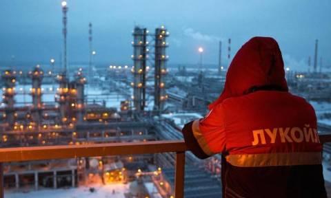 Πετρέλαιο: Οι λόγοι που η συμφωνία Ρωσίας-Σαουδικής Αραβίας δεν αναμένεται να αποδώσει