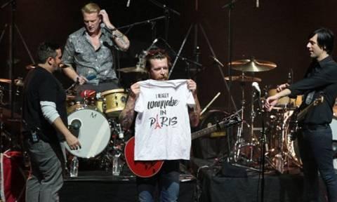 Επέστρεψαν στο Παρίσι οι Eagles of Death Metal μετά το τρομοκρατικό χτύπημα (pic+vid)