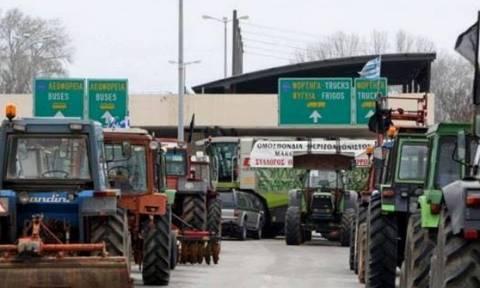 Με αντιμπλόκο «απαντούν» στις αγροτικές κινητοποιήσεις οι βούλγαροι οδηγοί