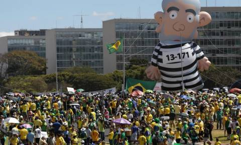 Βραζιλία: Συγκρούσεις μεταξύ υποστηρικτών και πολεμίων του πρώην προέδρου Λούλα ντα Σίλβα