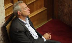 «Εγκέλαδος» στην κυβέρνηση μετά την παραίτηση Σγουρίδη