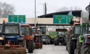 Μπλόκα αγροτών - Σέρρες: Συνεχίζεται το αδιέξοδο στο τελωνείο του Προμαχώνα