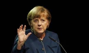 Σύνοδος Κορυφής – Μέρκελ: Να βρούμε νόμιμους τρόπους για την είσοδο των προσφύγων στην Ευρώπη