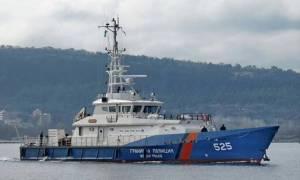 Λέσβος: Πλοίο της Frontex περισυνέλεξε τουλάχιστον 900 μετανάστες