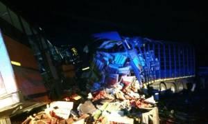 Τραγωδία: 71 νεκροί σε σύγκρουση λεωφορείου με φορτηγό (vid)