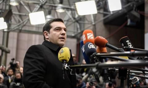 Τσίπρας σε Τσέχο πρωθυπουργό: Μη φιλική ενέργεια η αποστολή στρατού στα σύνορά μας!