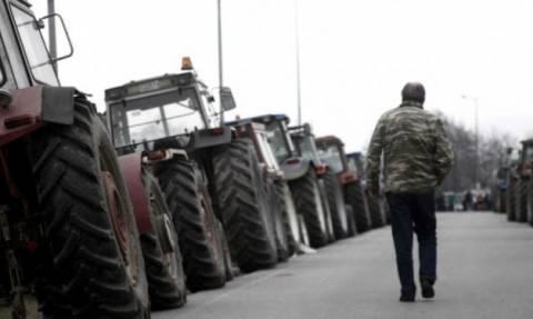 Αγρότες: Αμετακίνητοι στα μπλόκα - Ποιοι δρόμοι είναι κλειστοί